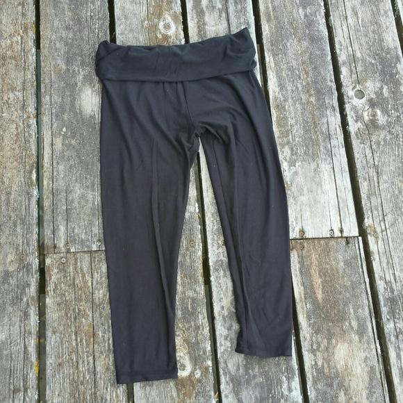 No Boundaries Yoga Capri Leggings